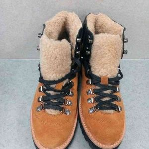 Shoes - Womens Boots size 9